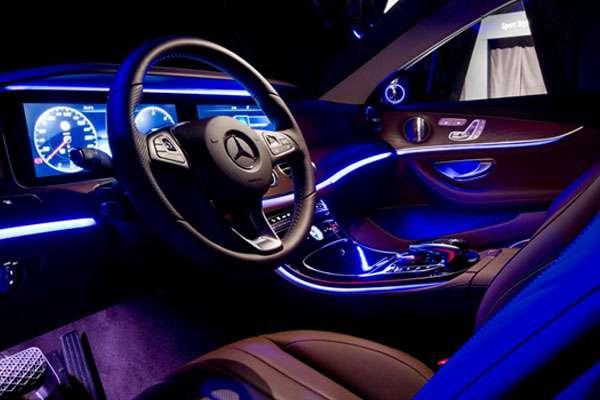 Đèn LED viền nội thất dành cho Mercedes Benz Được phân phối tại Độ Xe Long Thịnh